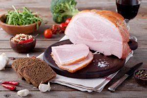 5 smacznych przekąsek z tradycyjnej szynki