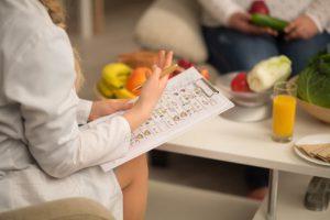 Czy kurs na dietetyka jest niezbędny do wykonywania zawodu?