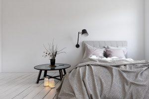 Narzuta i pościel do sypialni – jakie materiały będą najbardziej odpowiednie?