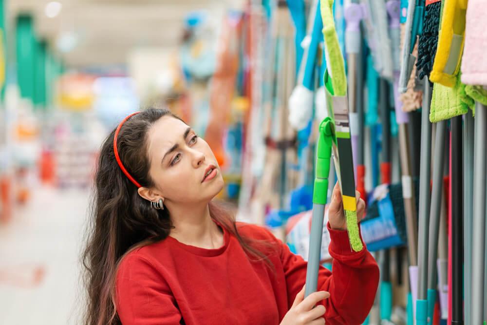 Zakup mopa – na co zwrócić uwagę? Jak wybrać ten właściwy?