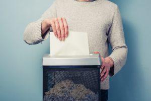 Na czym polega profesjonalne niszczenie dokumentów?